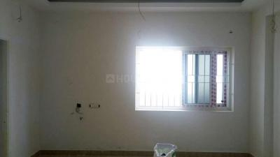 Gallery Cover Image of 920 Sq.ft 2 BHK Apartment for buy in Balaji Flats, Keelakattalai for 4600000