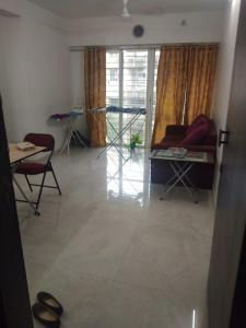 Gallery Cover Image of 675 Sq.ft 2 BHK Apartment for rent in Santacruz East for 48000