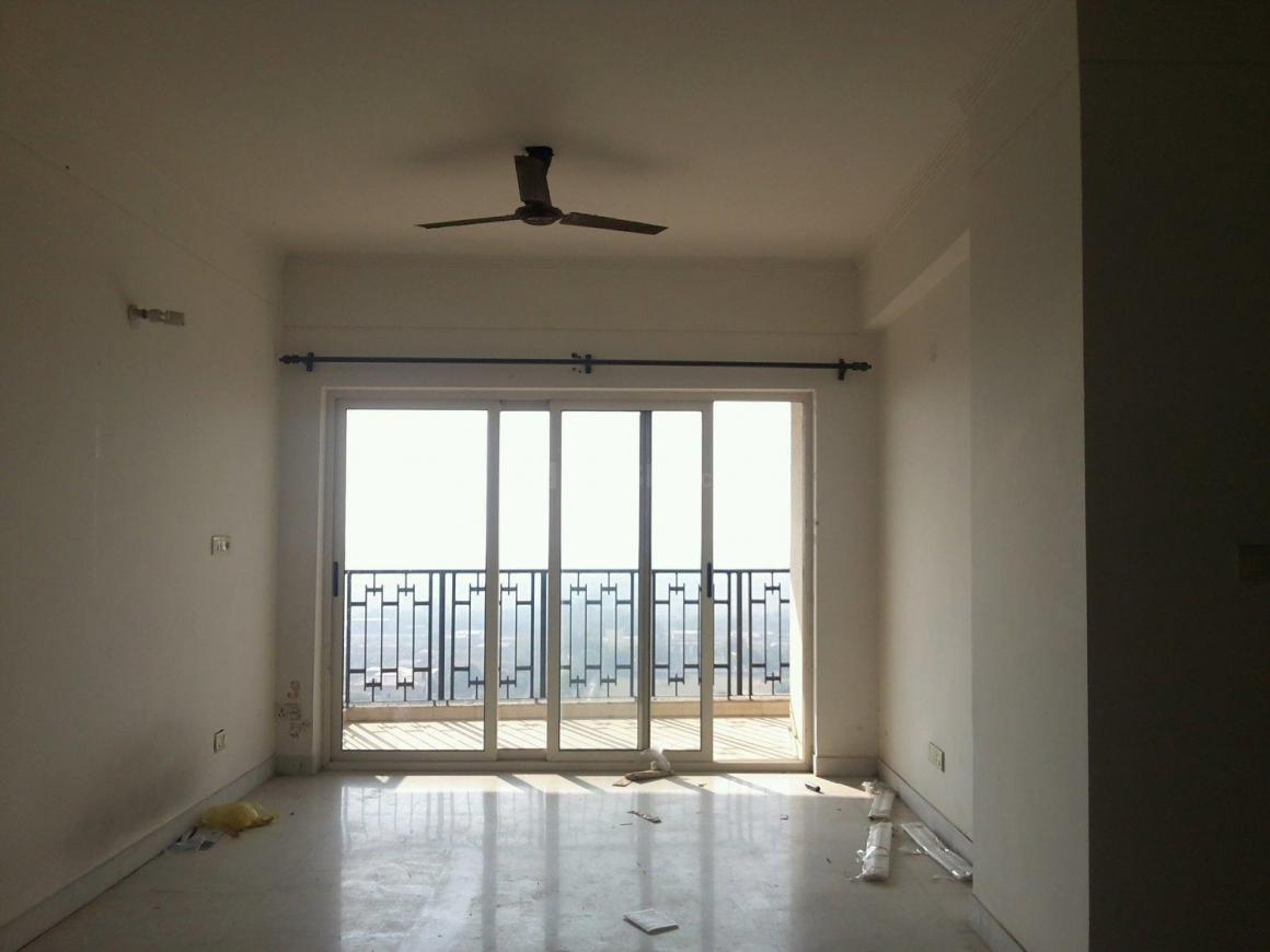 Living Room Image of 1700 Sq.ft 3 BHK Apartment for rent in Chi IV Greater Noida for 16000