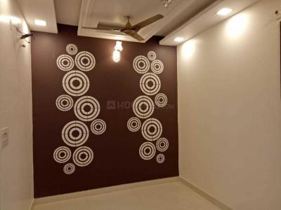 Gallery Cover Image of 560 Sq.ft 2 BHK Independent Floor for buy in Dwarka Mor for 3200000
