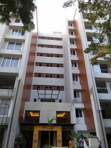 Gallery Cover Image of 3361 Sq.ft 3 BHK Apartment for buy in Nungambakkam for 70581000