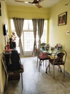 Gallery Cover Image of 800 Sq.ft 2 BHK Independent Floor for rent in Kasba for 12500