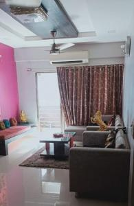 Gallery Cover Image of 2007 Sq.ft 3 BHK Apartment for buy in Thaltej for 17000000