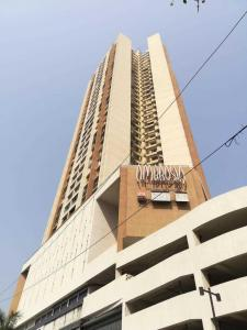 Gallery Cover Image of 1980 Sq.ft 3 BHK Apartment for rent in Borivali East for 51000