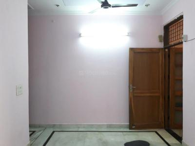 Gallery Cover Image of 756 Sq.ft 2 BHK Independent Floor for rent in Mukherjee Nagar for 21000
