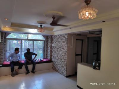 Gallery Cover Image of 500 Sq.ft 1 BHK Apartment for rent in Jogeshwari West for 28000