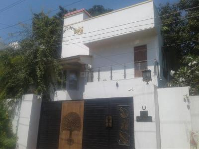 Gallery Cover Image of 4000 Sq.ft 5 BHK Villa for rent in Valasaravakkam for 100000