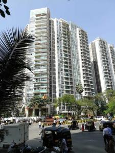 Gallery Cover Image of 2360 Sq.ft 4 BHK Apartment for rent in Kandivali East for 60000