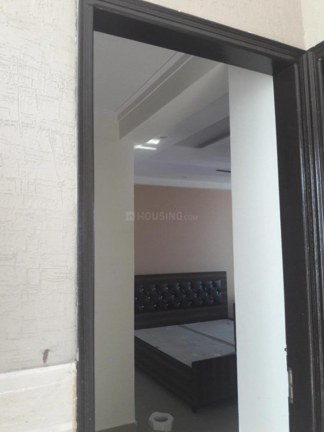Main Entrance Image of 300 Sq.ft 1 RK Apartment for rent in DLF Phase 3 for 14000