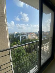 Gallery Cover Image of 980 Sq.ft 2 BHK Apartment for rent in Savannah Avalon, Andheri East for 39000