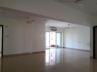 Gallery Cover Image of 2250 Sq.ft 4 BHK Apartment for rent in Lokhandwala Whispering Palms XXclusives, Kandivali East for 60000