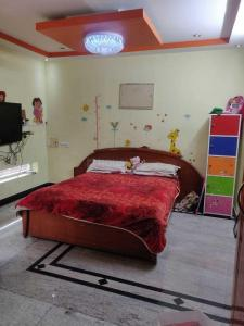 Gallery Cover Image of 1780 Sq.ft 3 BHK Apartment for rent in Porur for 40000