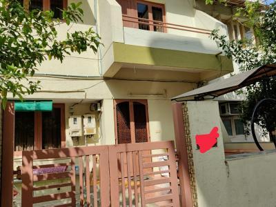 Gallery Cover Image of 3150 Sq.ft 4 BHK Villa for buy in Navrangpura for 60000000