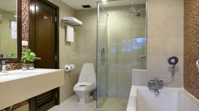Bathroom Image of 1175 Sq.ft 2 BHK Apartment for buy in Shapoorji Pallonji BKC 28, Bandra East for 25000000