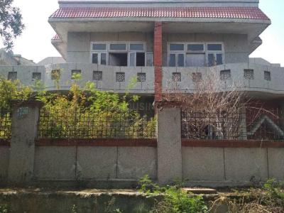 Gallery Cover Image of 2000 Sq.ft 3 BHK Independent House for buy in Sigma III Greater Noida for 7300000