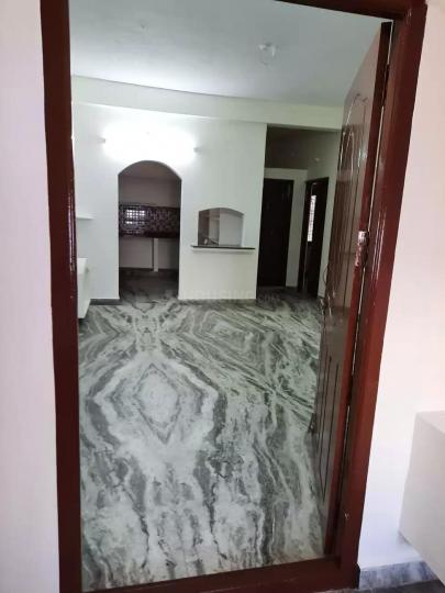 Main Entrance Image of 900 Sq.ft 2 BHK Apartment for rent in Mudichur for 8000
