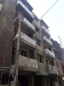 Gallery Cover Image of 900 Sq.ft 2 BHK Independent Floor for buy in Sector 16 for 4800000