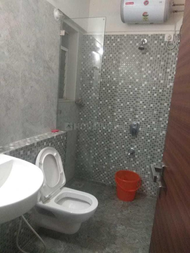 Common Bathroom Image of 1230 Sq.ft 3 BHK Apartment for rent in Jogeshwari West for 45000