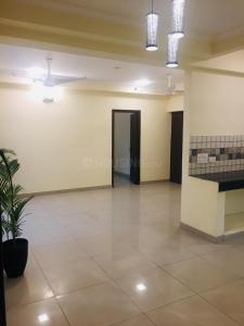 Gallery Cover Image of 1500 Sq.ft 3 BHK Apartment for rent in Gaursons India Gaur Green City, Vaibhav Khand for 17500