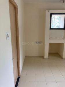 Gallery Cover Image of 1050 Sq.ft 2 BHK Apartment for rent in Spring BlossomSociety, Mundhwa for 17000