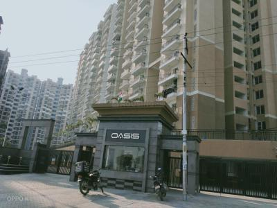 Gallery Cover Image of 1290 Sq.ft 3 BHK Apartment for buy in Oasis Venetia Heights, Surajpur for 3870000