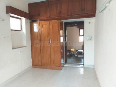 Gallery Cover Image of 1500 Sq.ft 3 BHK Independent Floor for rent in Paschim Vihar for 28000