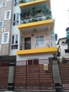 Gallery Cover Image of 1300 Sq.ft 3 BHK Apartment for rent in New Alipore for 35000