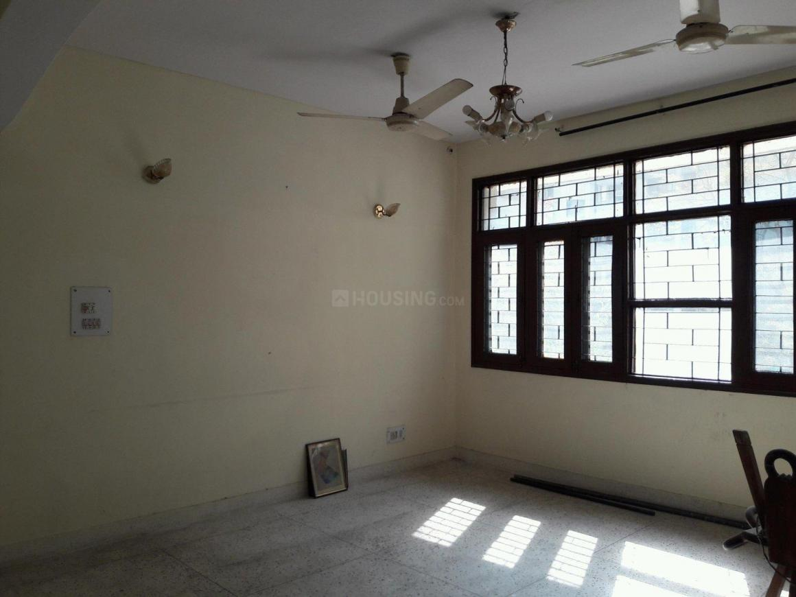 Living Room Image of 1600 Sq.ft 3 BHK Apartment for rent in Sector 23 Dwarka for 25000