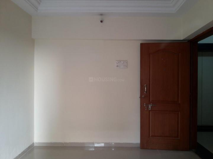 Living Room Image of 650 Sq.ft 1 BHK Apartment for rent in Borivali West for 19000