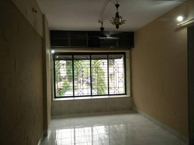 Gallery Cover Image of 500 Sq.ft 1 BHK Apartment for rent in Malad West for 25000