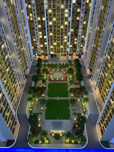 Gallery Cover Image of 600 Sq.ft 1 BHK Apartment for buy in Desale Pada for 3690000