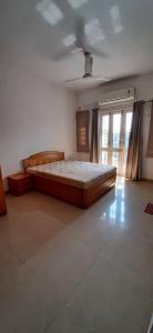 Gallery Cover Image of 2000 Sq.ft 3 BHK Apartment for rent in Hari Nagar for 35000
