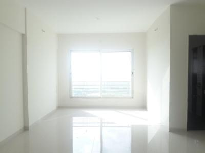 Gallery Cover Image of 1050 Sq.ft 2 BHK Apartment for buy in Malad West for 12500000