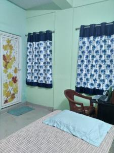 Bedroom Image of Ramlok Smart PG in Hussainpur