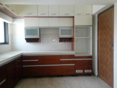 Gallery Cover Image of 3160 Sq.ft 4 BHK Apartment for rent in Crescent Tower, Tardeo for 350000