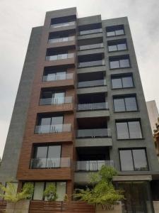 Gallery Cover Image of 6500 Sq.ft 5 BHK Apartment for buy in Ambar Triveni Vista, Gulbai Tekra for 42900000