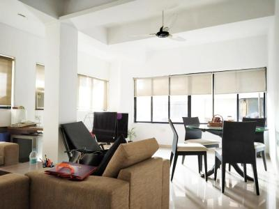 Gallery Cover Image of 1350 Sq.ft 2 BHK Apartment for rent in Fatima Villa, Bandra West for 75000