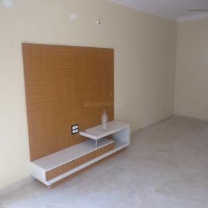 Gallery Cover Image of 1200 Sq.ft 3 BHK Apartment for rent in HBR Layout for 26000