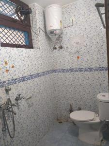 Bathroom Image of PG 4194379 Sector 15 in Sector 15