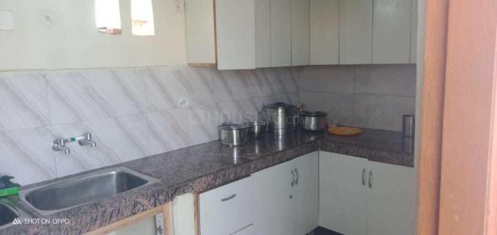 सेक्टर 32 में लक्ज़री पीजी के किचन की तस्वीर