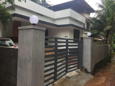 Gallery Cover Image of 1400 Sq.ft 3 BHK Independent House for buy in Thiruvannur for 6500000