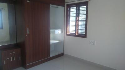 Gallery Cover Image of 1100 Sq.ft 2 BHK Apartment for rent in Hennur Main Road for 20000