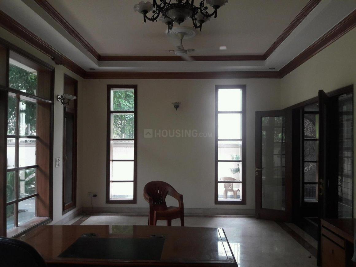 Living Room Image of 4000 Sq.ft 4 BHK Independent House for rent in DLF Phase 1 for 100000