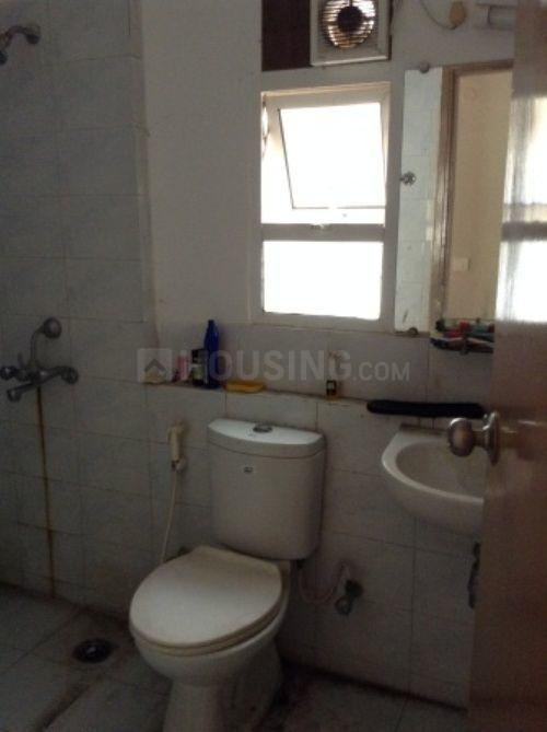 Common Bathroom Image of 956 Sq.ft 2 BHK Apartment for rent in New Town for 20000