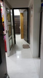 Gallery Cover Image of 750 Sq.ft 1 BHK Apartment for rent in Gurukrupa Marina Enclave, Malad West for 24000