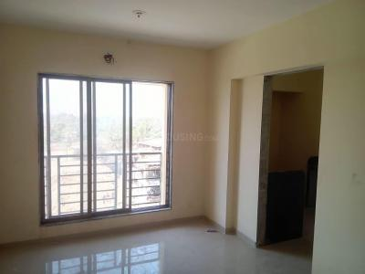 Gallery Cover Image of 650 Sq.ft 2 BHK Apartment for rent in Sayali Residency, Diva Gaon for 6000