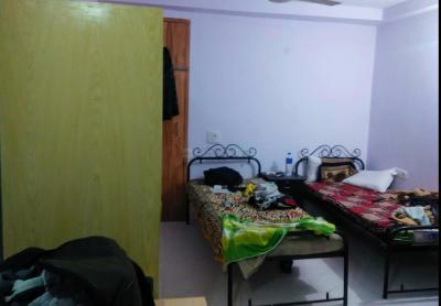 Bedroom Image of Pardeep PG in Lodhi Colony