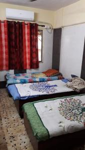 Bedroom Image of Shree & Youth- Accomodation Service in Mira Road East