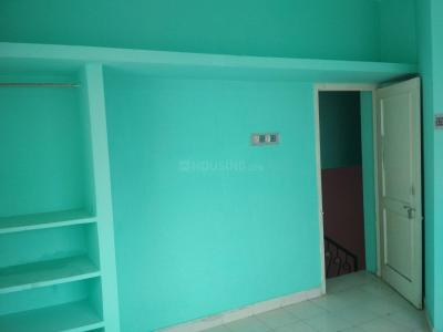 Gallery Cover Image of 550 Sq.ft 1 BHK Independent Floor for rent in Neelankarai for 10000