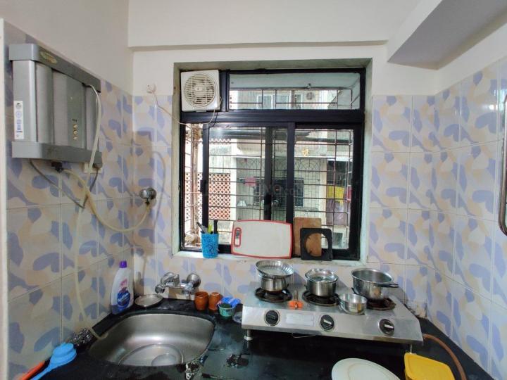 पवई में शिवौम अपार्टमेंट में किचन की तस्वीर
